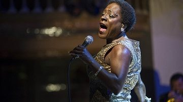 161118-sharon-jones-mbe-856p_37b5570eed251fa64d35d49f0542ab68-nbcnews-ux-2880-1000-tb