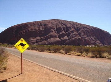 18010-uluru-aka-ayers-rock-typical-aussie-roadsign-as-well-0-tb