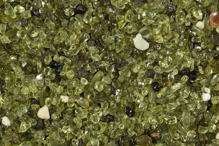 00356-img_7431-olivine-sand-20-mm